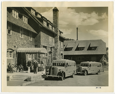 old pic of crater lake lodge